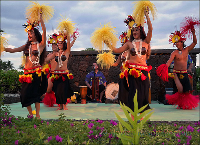 Delicious luaus featuring graceful hula dancers